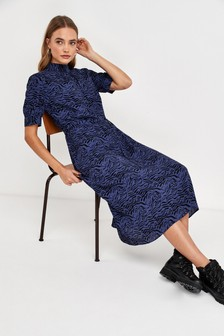 Платье миди с высоким воротником