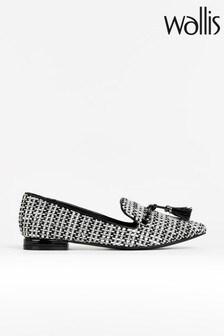 נעליים שטוחות מחודדות עם פרנזים שלWallis  דגםBethany
