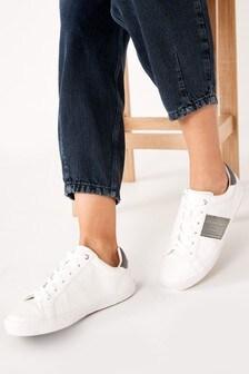 حذاء رياضي بتفصيل سلسلة Forever Comfort®