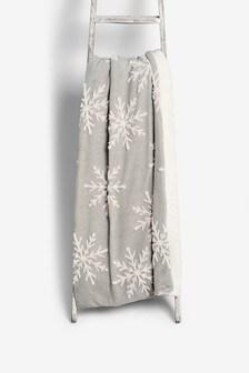 Snowflake Jacquard Fleece Throw
