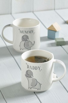 Stapelbare Henkeltassen mit Mummy- und Daddy-Elefant im 2er-Set