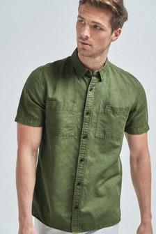 Camisa con sobretintado y dos bolsillos en algodón/lino