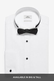 Рубашка с воротником-стойкой со скошенными концами и черный галстук-бабочка
