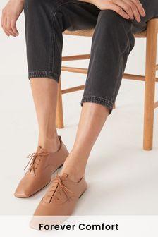 Chaussures à lacets fines en cuir avec bout carré