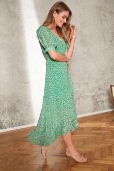 Платье с запахом и оборками
