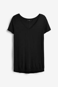 Lässiges T-Shirt mit V-Ausschnitt
