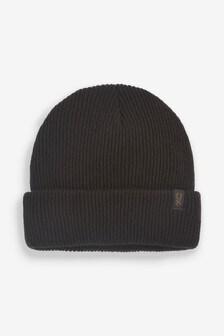 قبعة صوف مضلعة