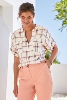 Рубашка с короткими рукавами и карманом