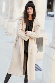 Пальто из искусственной овечьей шерсти