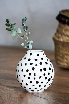 Váza s dalmatínskymi bodkami