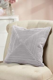 Бархатная подушка со складками