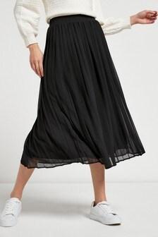 חצאית עם קפלים