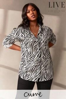 חולצה מכופתרת של LIVE למידות גדולות מויסקוזה בת קיימא עם הדפס זברה