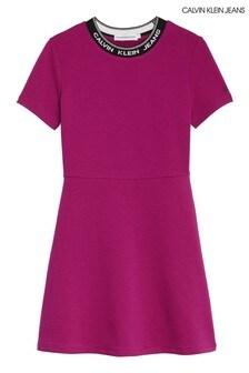 فستان تزلج Intarsia وردي من Calvin Klein Jeans