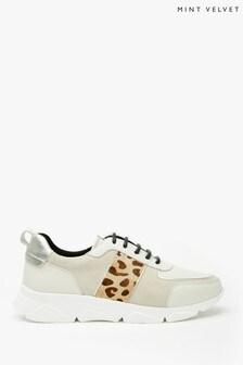 حذاء رياضي ضخم بيج قطة من Mint Velvet
