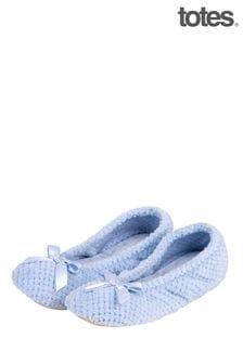 נעלי בובה שלTotes Isotoner במרקם פופקורן