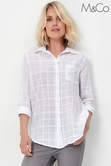 חולצה מכופתרת עם משבצות של M&Co בלבן