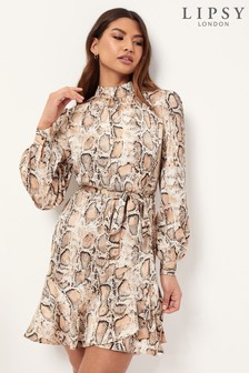 שמלה עם צווארון גבוה של Lipsy וסרט קשירה במותן