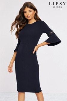 שמלה בשילוב תחרה עם שרוול מתרחב של Lipsy