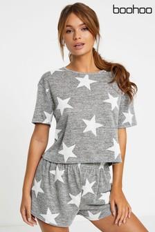 Pijama con pantalones cortos con estampado de estrellas de Boohoo