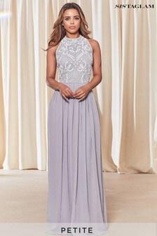 שמלת מקסי של Sistaglam עם צווארון קולר ועיטורים במידות פטיט