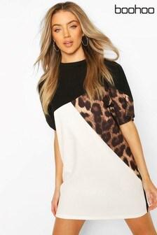 Vestido estilo camiseta con colour block de leopardo de Boohoo