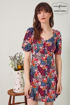 שמלת מיני מודפסת של Love & Roses עם כפתורים