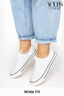 حذاء رياضي قماش بقبة منخفضةتلبيس عريض منYours