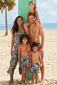Пляжная одежда для всей семьи