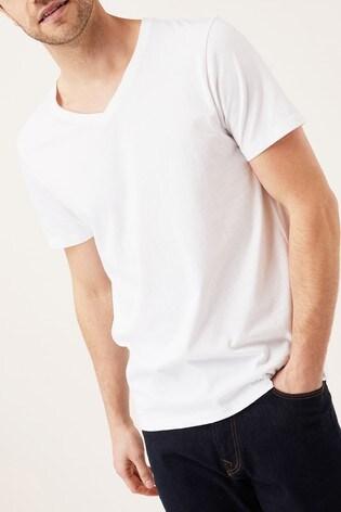8c5893dee2e Kupte si Bílé tričko s výstřihem do V na Next Česká republika